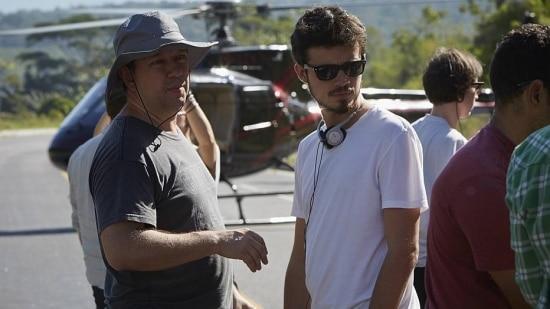 O diretor Pedro Morelli (D)