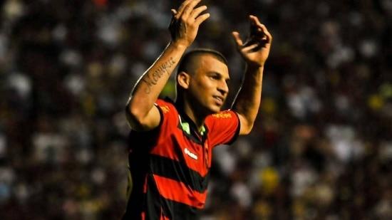 Neto Baiano é a principal esperança de gols do Sport contra o Atlético-PR