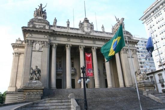 Segundo a assessoria de Picciani, José Hildo da Silva Marquestrabalhava em gabinete na Assembleia Legislativa realizando serviços administrativos, mas sem contato com o deputado