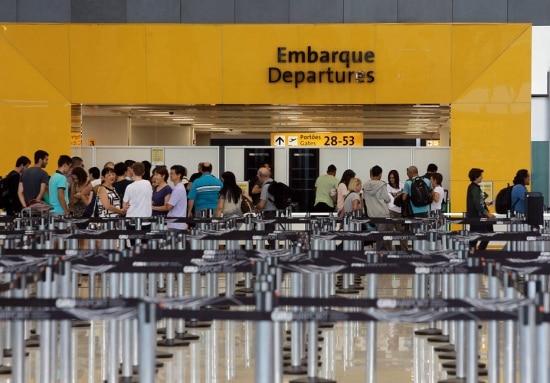 Gastos com viagens de turismo enegócios pagos com remessas são tributados