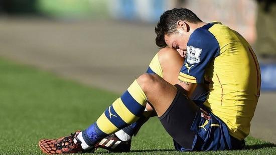 Özil vem sofrendo com as seguidas lesões desde o início da temporada europeia