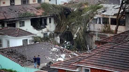 Na segunda-feira, 25, Marina disse que as dúvidas envolvendo a propriedade do avião que caiu matando Campos tinham q