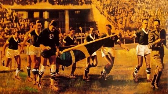 Jogadores do Palmeiras entram em campo na decisão com o São Paulo, em 42