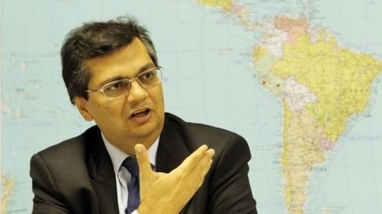 Para Flavio Dino, do PC do B, que pretende disputar o governo do Amapá, Sarney vinha perdendo apoio político
