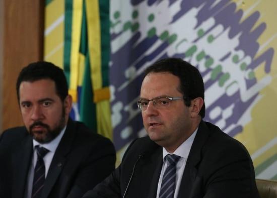 O ministro da Fazenda,Nelson Barbosa,anuncia corte no orçamento