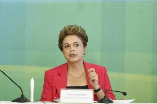 Emcafé da manhã com jornalistas nessa quinta, Dilma insistiu na necessidade de aprovar CPMF