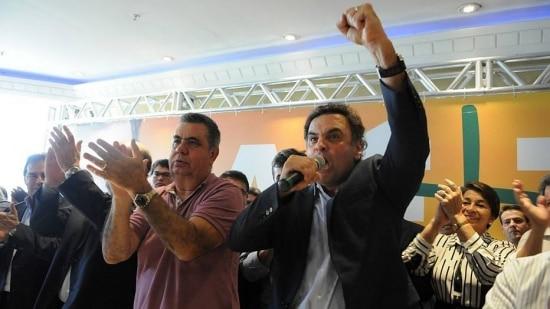 Aécio(à dir.)e Jorge Picciani,presidente do PMDB-RJ