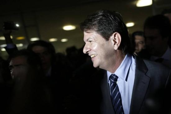 Cid Gomes deixa o Congresso após discussão com parlamentares