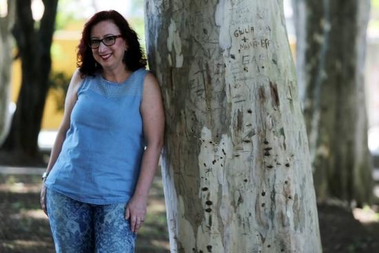 Ivana, que retirou melanomas em estágio inicial e está curada, confessa que abusou do sol na adolescência