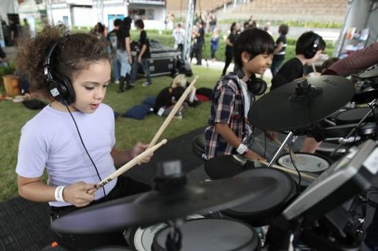 Kidspalloza é o espaço reservado para a criançada curtir a música do festival