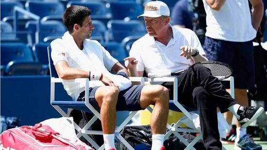 Sérvio Novak Djokovic ao lado de seu treinador, a lenda Boris Becke