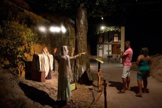 Imagens do Museu de Cera de Aparecida, SP