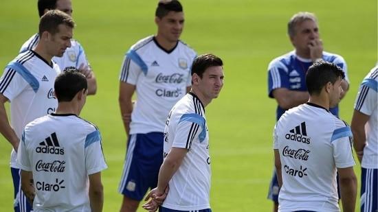 Equipe argentina treina após a vitória sobre a Bósnia