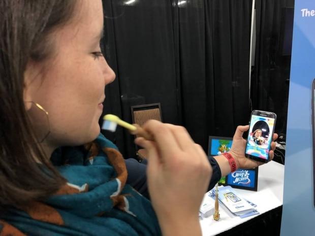 Escova de dente conectada