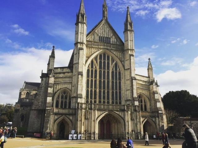 Catedral de Winchester, onde Austen está sepultada