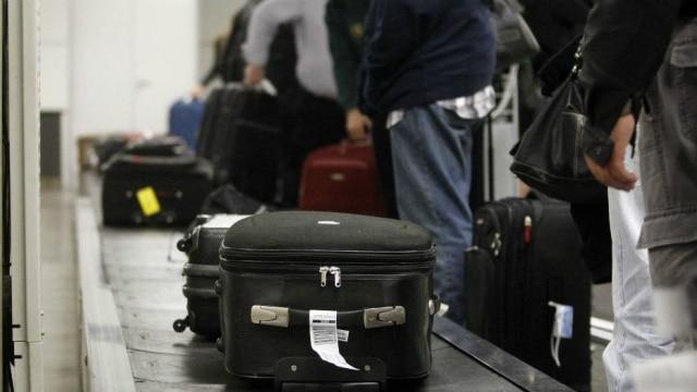 Só na esteira o viajante sabe se deu tudo certo com sua bagagem