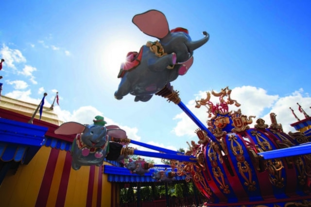 Dumbo, the Flying Elephant, atração clássica do Magic Kingdom