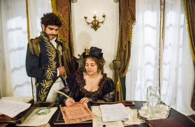 Pedro (Caio Castro) e Leopoldina (Letícia Colin) protagonizaram o diálogo