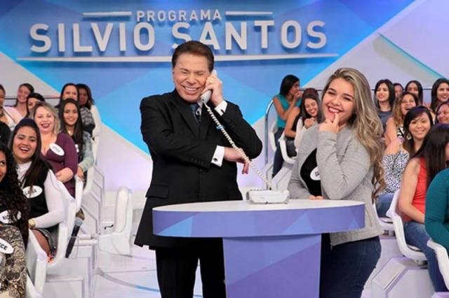 Silvio Santos se divertiu com paródias do filme 'A Queda', que fala sobre as derrotas de Adolf Hitler.