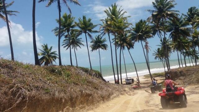 Passeio de quadriciclo pelo litoral da Paraíba