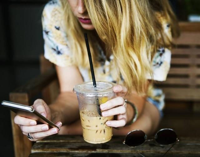 Nove em cada dez mulheres que responderam à pesquisa afirmaram não estarem felizes com seus corpos. Estudos demonstram que odesejo de mudar algo na aparência chega a aumentarapós algum tempo nas redes sociais.