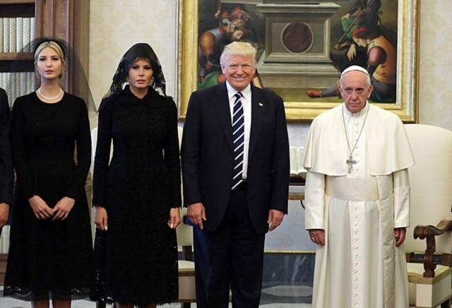 Ivanka Trump, a primeira-damaMelania Trump e Donald Trump encontram o Papa Francisco no Vaticano
