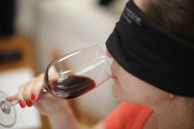 Degustação às cegas na vinícola Dal Pizzol, em Bento Gonçalves