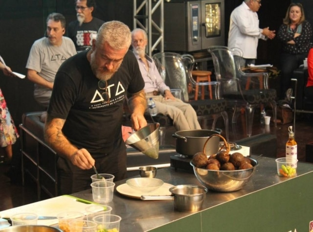 O chef Alex Atala durante o evento.