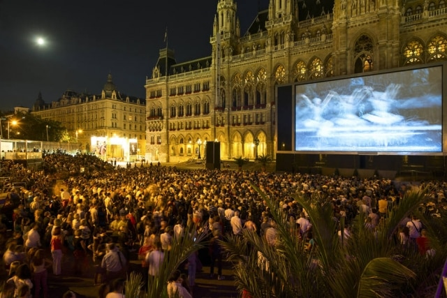 Palco do Music Film Festival em frente à prefeitura de Viena
