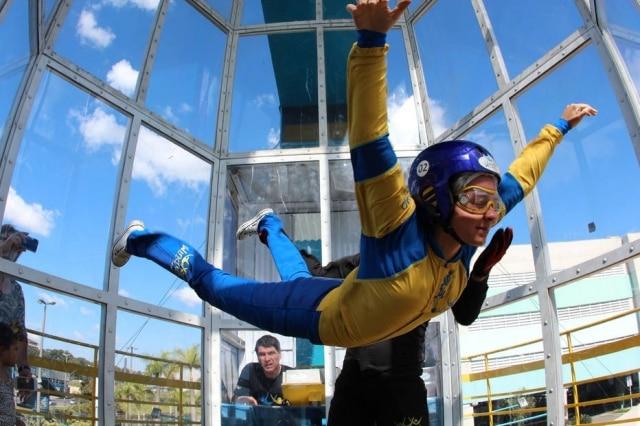 Engenheiro aeronáutico criou o Wind up, túnel de vento para paraquedismo indoor
