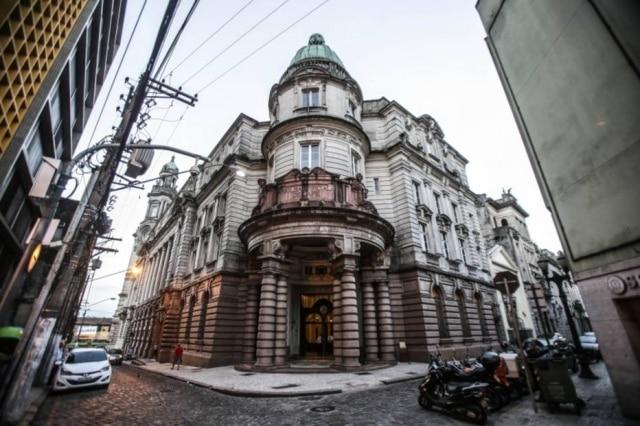 Prédio da Bolsa Oficial do Café, inaugurado em 1922, hoje abriga museu dedicado ao grão
