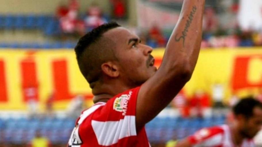 Zé Carlos marca três, CRB ganha do Macaé e se reabilita na Série B - Divulgação