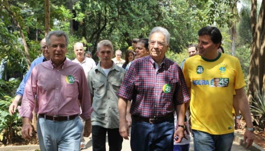 Ex-presidentes comparecem às urnas - Hélvio Romero/Estadão