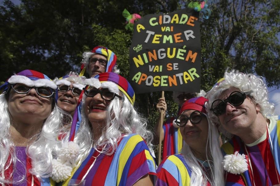 Manifestações políticas - AFP/Eraldo Peres
