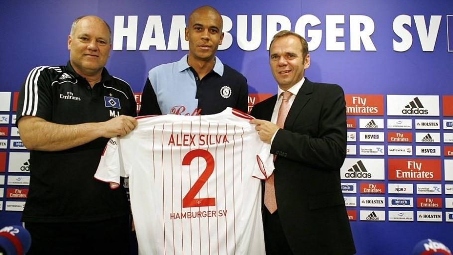 Alex Silva teve experiência no futebol europeu no Hamburgo, da Alemanha - Roland Magunia/AFP