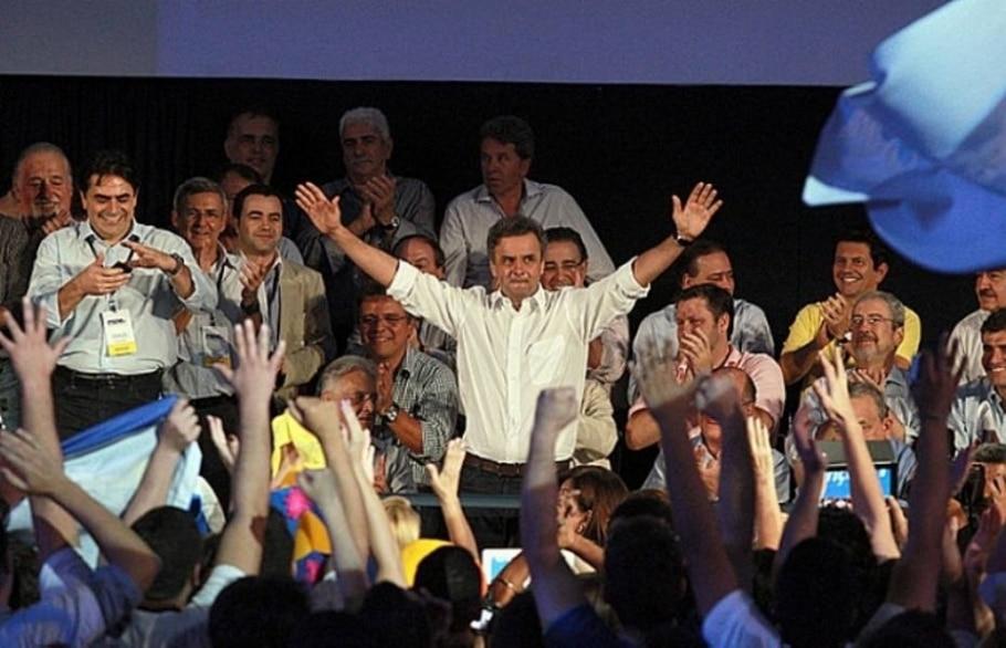 Aécio assume PSDB e ataca fragilidades do governo Dilma - Ed Ferreira/AE