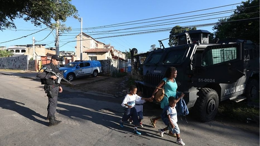 Bope realiza reintegração de prédios invadidos na zona norte do Rio - Fábio Motta/Estadão
