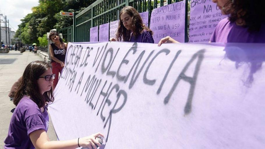 Em novembro, estudantes realizaram um ato pelo fim da violência contra a mulher - Gabriela Bilo/Estadão