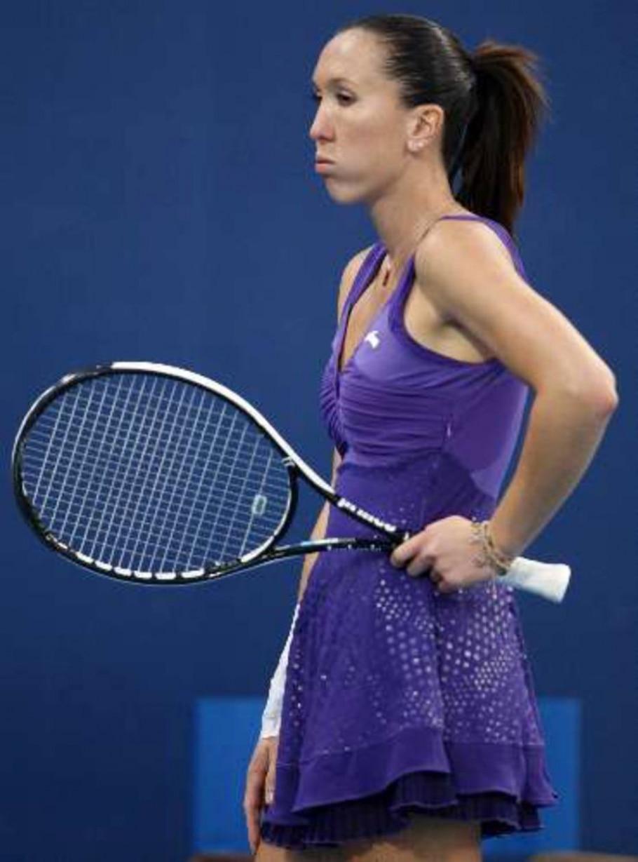 Jelena Jankovic é surpreendida pela chinesa Shuai Peng, que venceu por 2 sets a 1 em Pequim - Ng Han Guan/AP