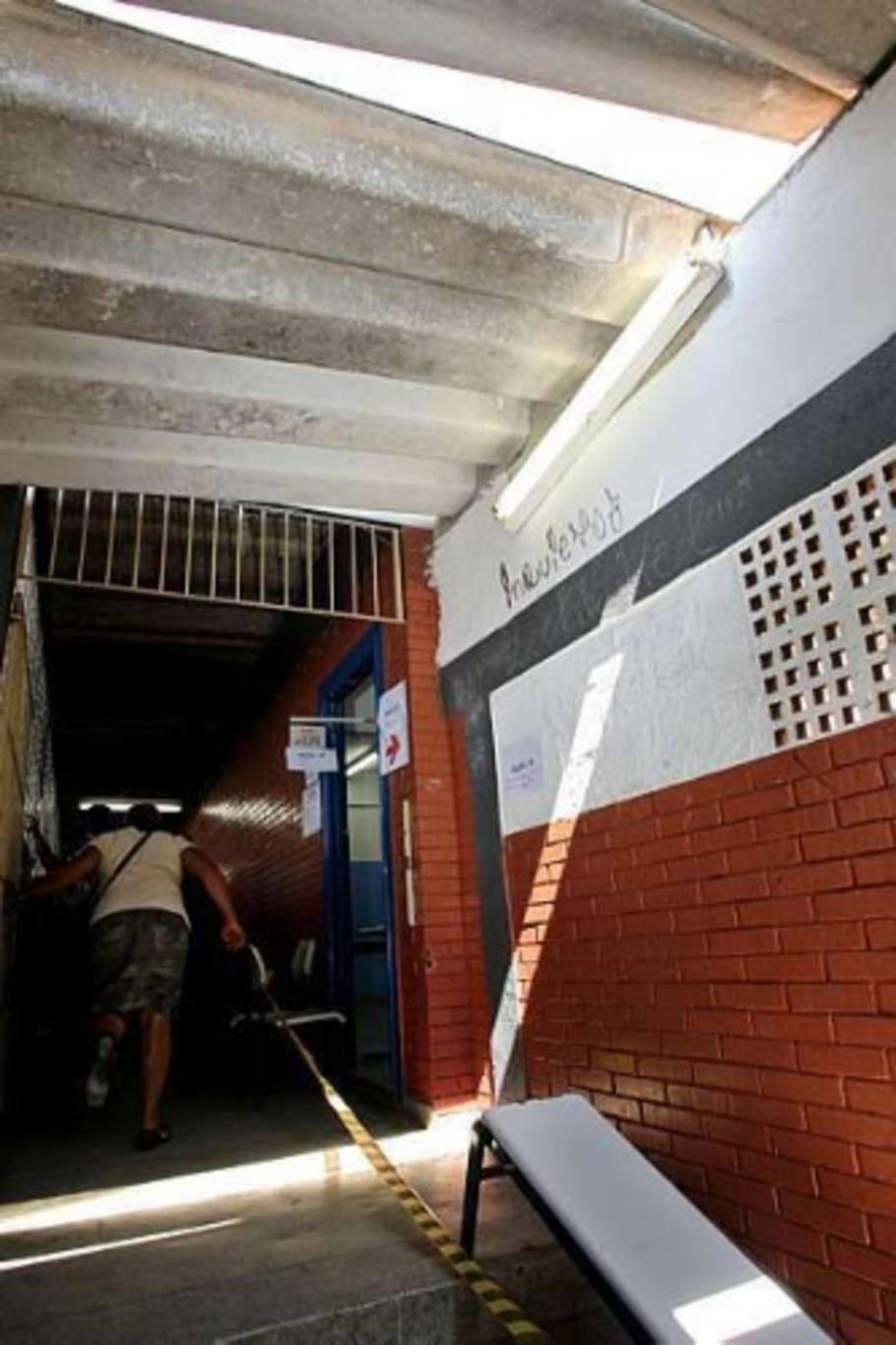 Urna eletrônica é furtada na zona leste de São Paulo - Helvio Romero/AE