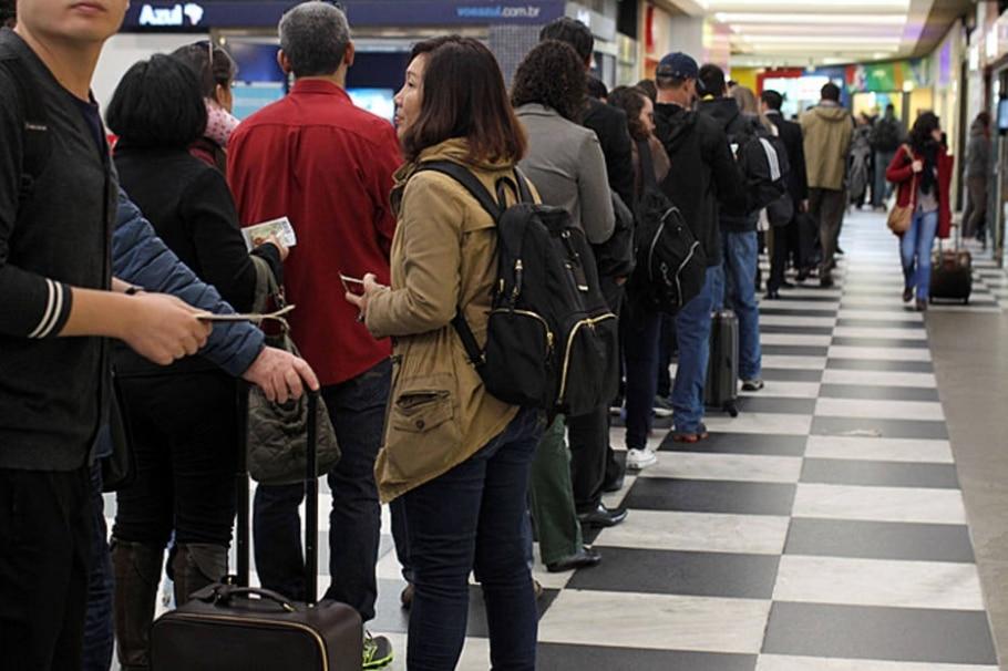 Filas nos aeroportos - Werther Santana/Estadão