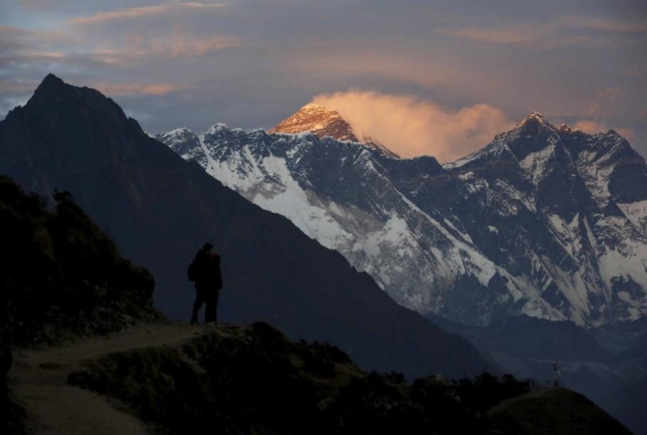 Mont Everest, 8.850 m - Nepal - Reuters/Navesh Chitrakar