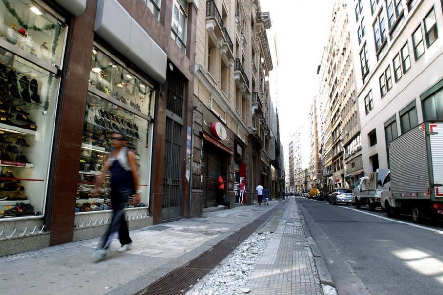 Prefeitura deve gastar R$50 milhões em calçadas no próximo ano - Felipe Rau/Estadão