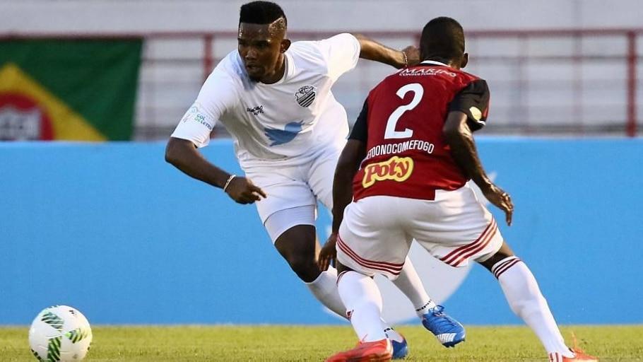 Eto'o fez três gols e jogou pelo Botafogo e pelo Comercial - Celio Messias/Estadão