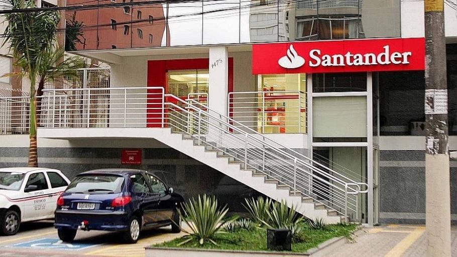 Santander Brasil tem lucro 8% maior no 3º tri, mas abaixo do esperado - Ernesto Rodrigues/Estadão