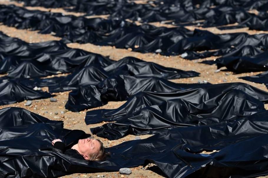 Anistia Internacional protesta contra mortes no Mediterrâneo -  AFP PHOTO / BEN STANSALL