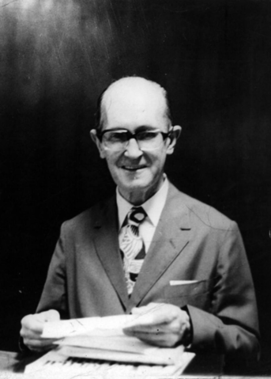Drummond durante uma palestra em Belo Horizonte, em 1972 - Arquivo/AE