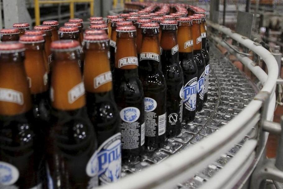 Cervejaria Polar anunciou suspensão da produção por falta de matéria-prima - REUTERS/Isaac Urrutia