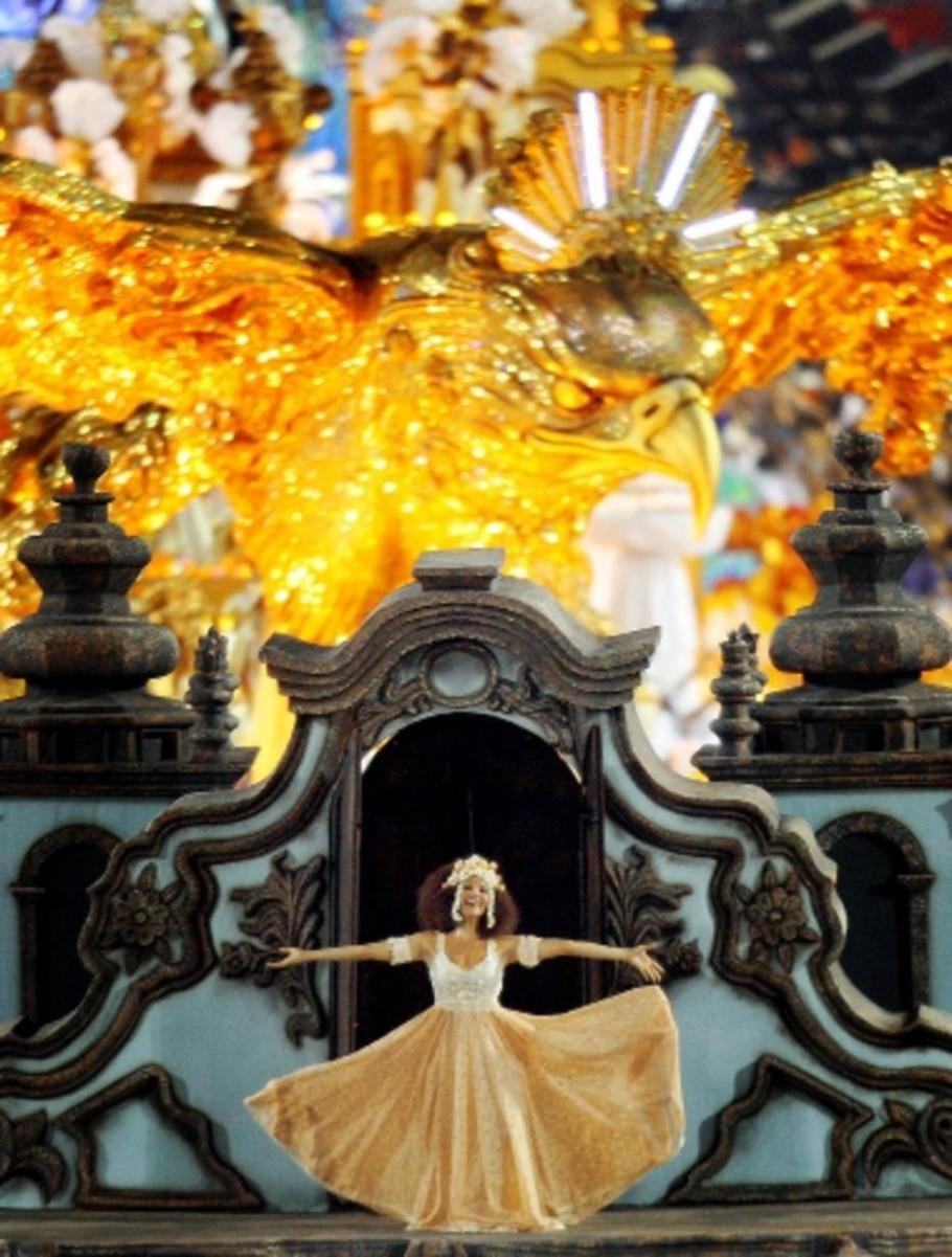 Os melhores momentos da primeira noite de carnaval no Rio de Janeiro - Marcos de Paula/AE