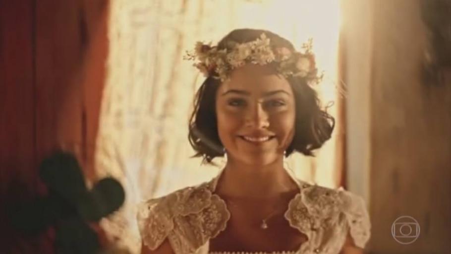 Santo se emociona ao ver Olívia vestida de noiva - Reprodução/Globo